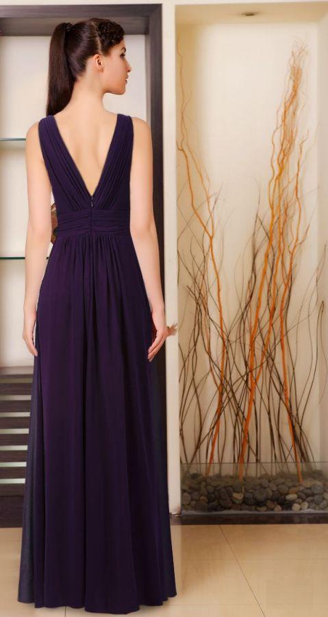 5d1ada4f564 společenské šaty » skladem » fialová. Cena s DPH 2790.00 Kč
